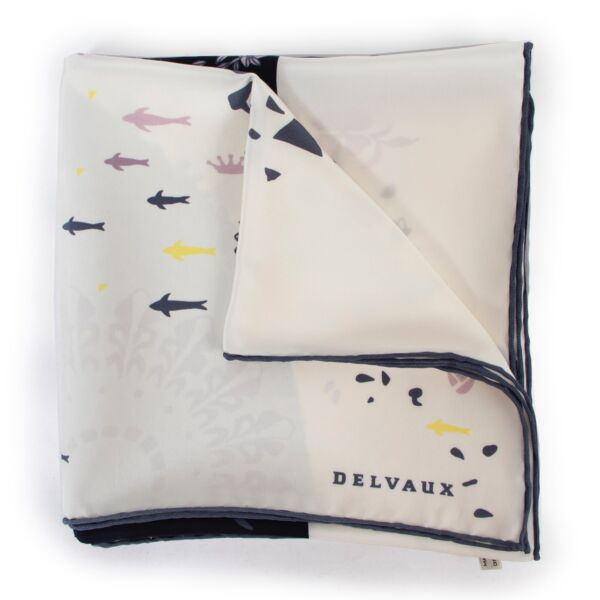 Delvaux Multicolor Scarf now available at Labellov in very good condition!
