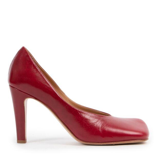 Shop safe online 100% authentic second hand Bottega Veneta Red Pumps - Size 38 at Labellov in Antwerp.