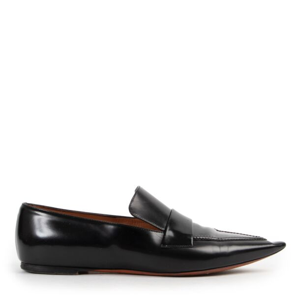 Shop safe online 100% authentic second hand Celine Black Flats - Size 37 in very good condition at Labellov in Antwerp.