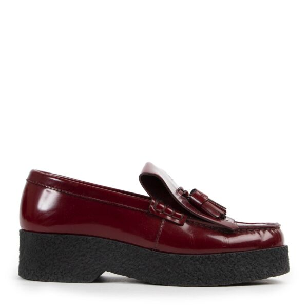 Shop safe online 100% authentic second hand Celine Burgundy Patent Leather Flats - Size 38 at Labellov in Antwerp.