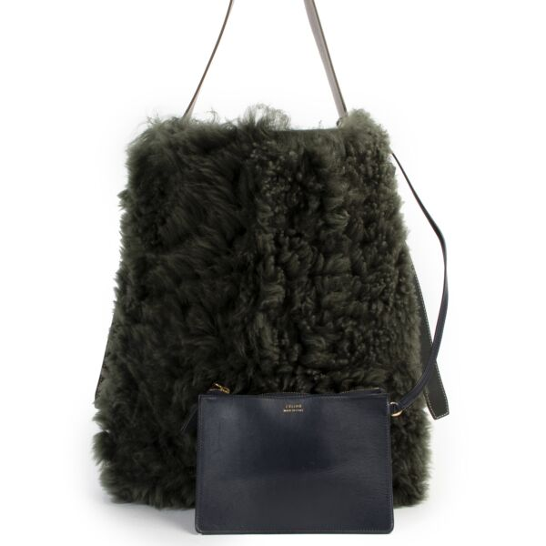 Shop safe online 100% authentic second hand Céline Sea Sangle Green Wool Shoulder Bag in very good condition at Labellov in Antwerp.