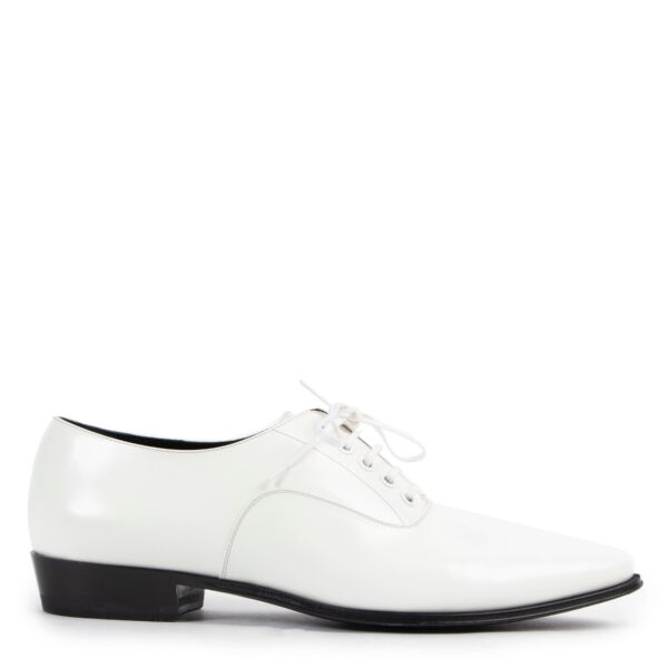 Shop safe online 100% authentic second hand Celine White Lace-up Flats - Size 38 in very good condition at the right price at Labellov in Antwerp.