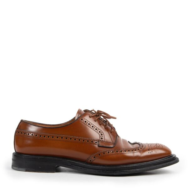 Shop safe online 100% authentic second hand Church's Brown Oxford Brogue Lace-up Flats - Size 38 at Labellov in Antwerp.