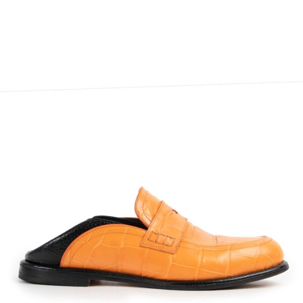 Shop safe online at Labellov in Antwerp 100% authentic second hand Loewe Orange Slide in Loafers - Size 38