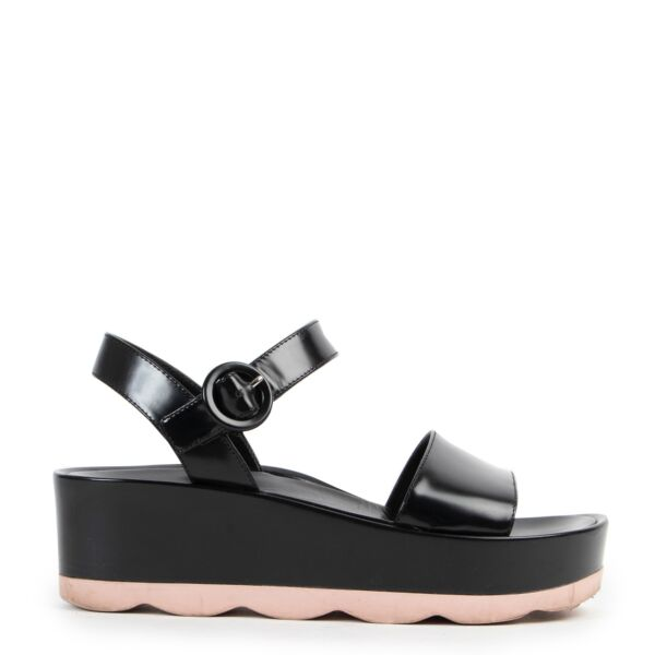 Shop safe online 100% authentic second hand Prada Black Pink Platform Sandals - Size 38 in very good condition at the right price at Labellov in Antwerp.