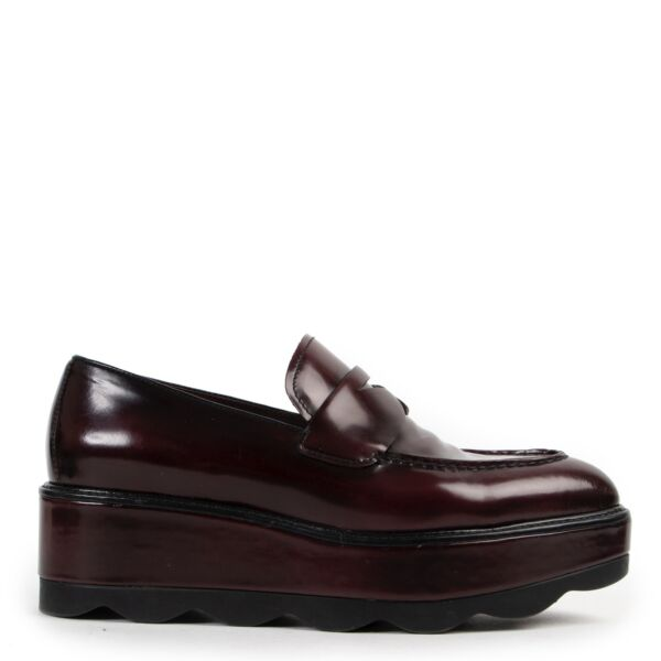 Shop safe online at Labellov in Antwerp 100% authentic second hand Prada Burgundy Flatform Flats - Size 38 in very good condition