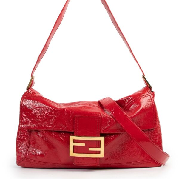 Shop safe online 100% authentic second hand Fendi Red Patent Leather Large Baguette Shoulder Bag in very good condition at the right price at Labellov in Antwerp.