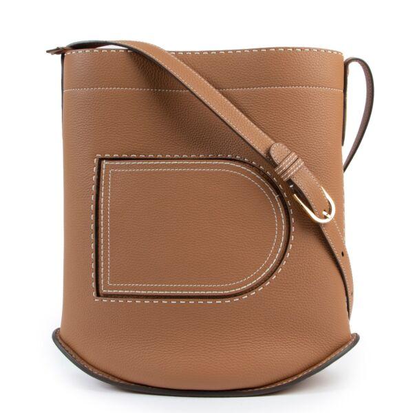 Shop safe online at Labellov in Antwerp this 100% authentic second hand Delvaux Cognac Pin Surpiqué GM Shoulder Bag