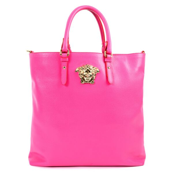 Shop safe online at Labellov in Antwerp this 100% authentic second hand Versace Pink Medusa Tote Top Handle in very good condition.