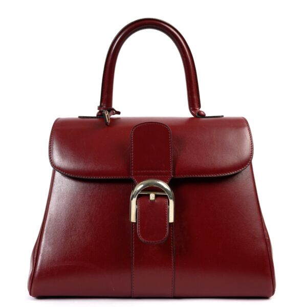 Shop safe online at labellov in Antwerp this 100% authentic second hand Delvaux Burgundy MM Brillant