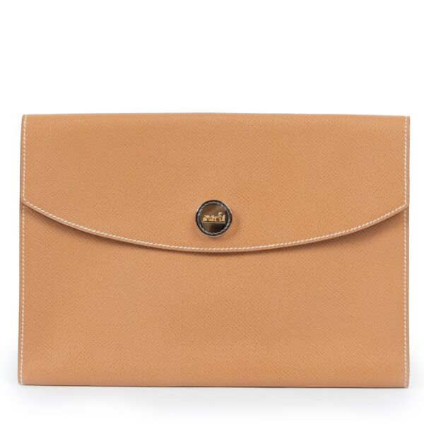Shop safe online at Labellov in Antwerp this 100% authentic second hand Hermès Brown Leather Clutch
