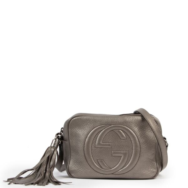 Shop safe online at Labellov in Antwerp this 100% authentic second hand Gucci Metallic Soho Disco Crossbody