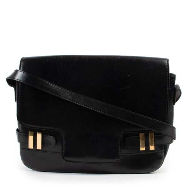 Shop safe online at Labellov in Antwerp this 100% authentic second hand Delvaux Black Leather Crossbody