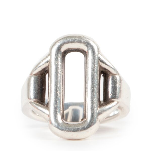 Shop safe online at Labellov in Antwerp this 100% authentic second hand Hermès Silver Attelage Ring - Size 52