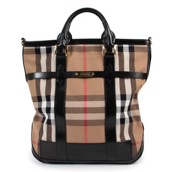 Burberry tote Bag shop safe online at Labellov for the best vintage
