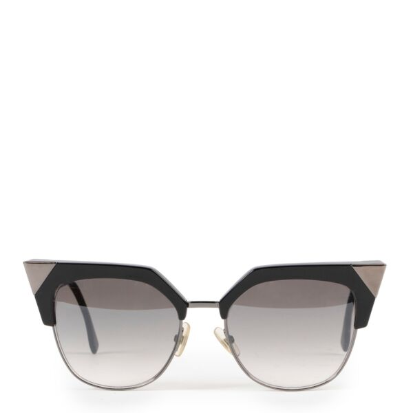 Buy an authentic pair of second hand black Fendi sunglasses at Labellov