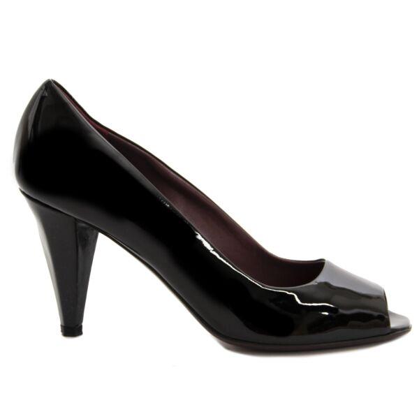 Miu Miu Black Peep Toe Heels - 37 For the best price at LabelLov. Pour le meilleur prix à LabelLOV. Voor de beste prijs bij LabelLOV.