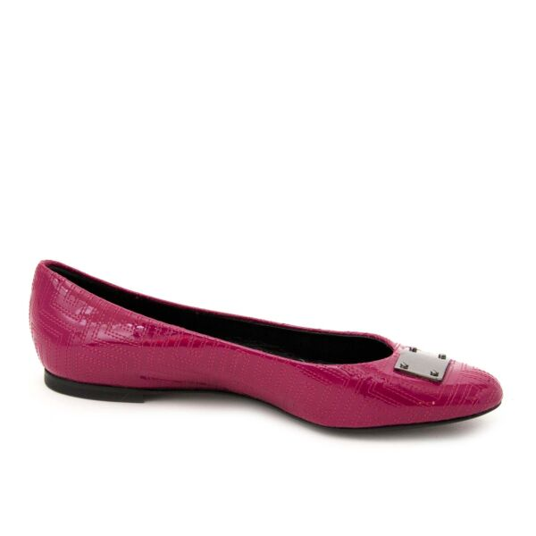 Gianni Versace Couture Patent Fuchsia Ballerinas size 37,5 now online at labellov.com for the best price