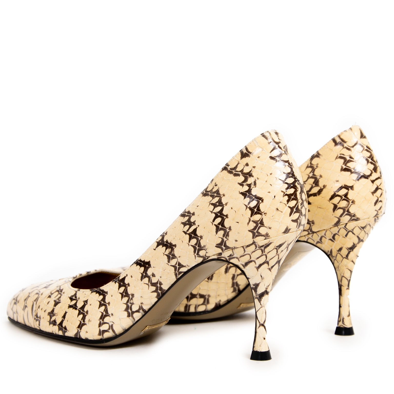 76d71bedbbba ... Dolce & Gabbana Beige Python Pumps now for sale at labellov vintage  fashion webshop belgium