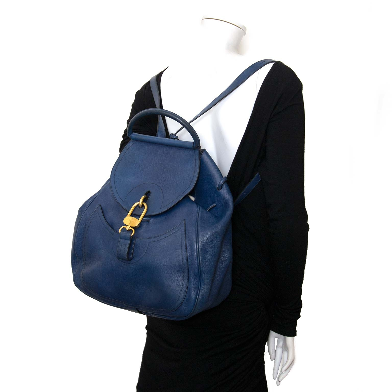 delvaux blue cerceau GM backpack now for sale at labellov vintage fashion webshop belgium