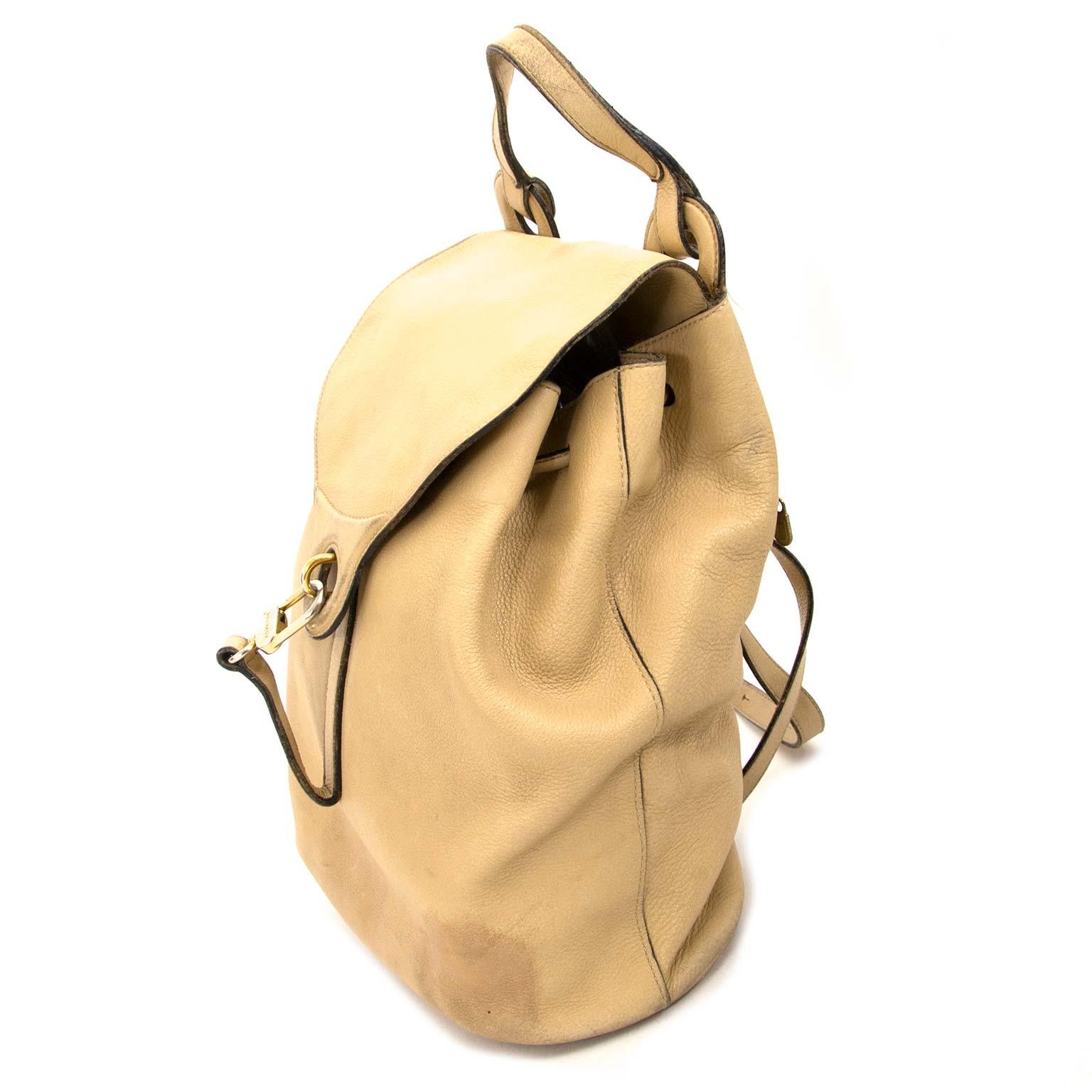 achetez Delvaux Beige Cerceau Backpack chez labellov.com