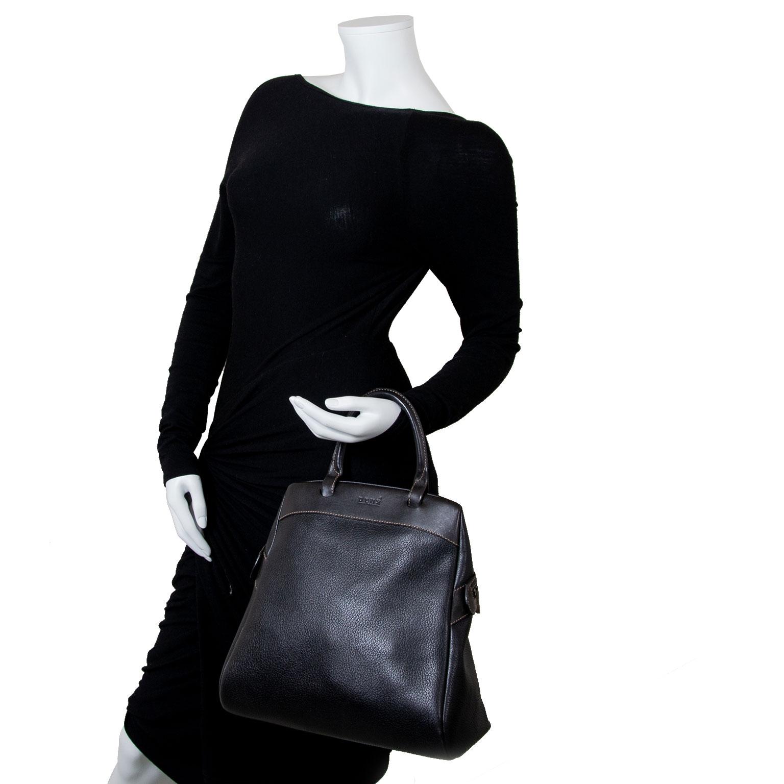 Koop en verkoop uw authentieke designer handtassen en accessoires aan de beste prijs bij Labellov