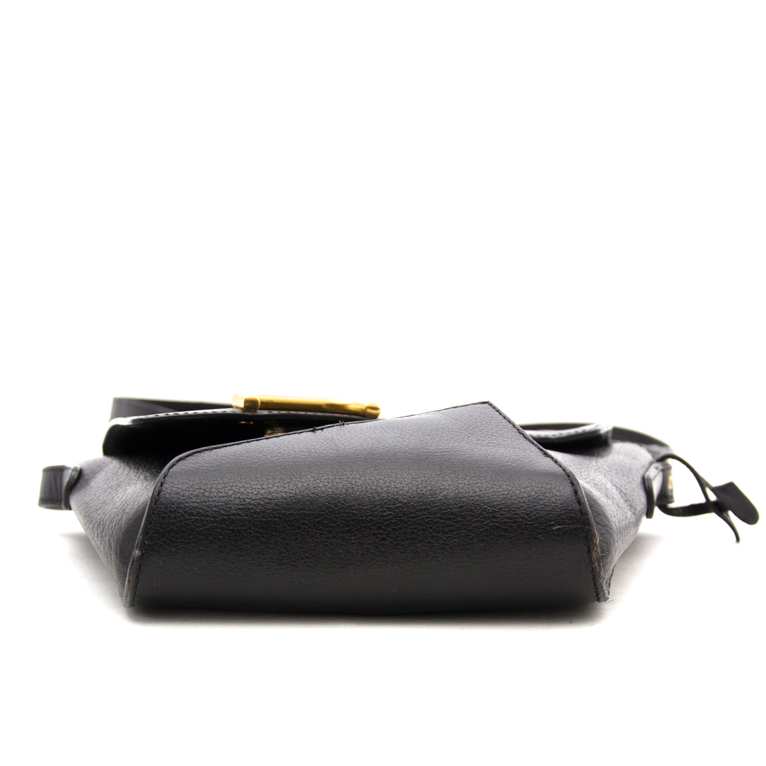 We  buy and sell your secondhand designer items such as Delvaux Black Leather Pouch Bag