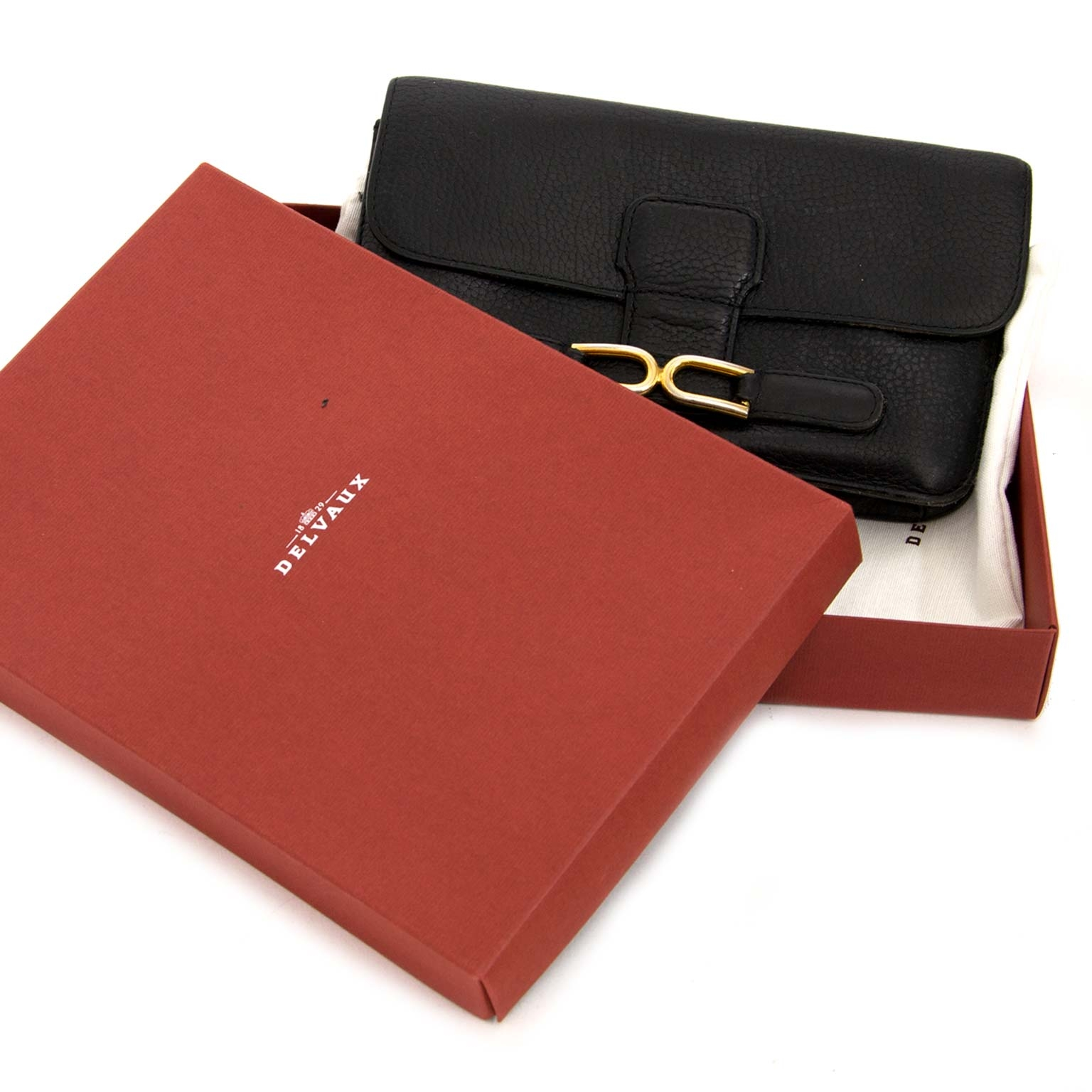 delvaux black escudo wallet now for sale at labellov vintage fashion webshop belgium