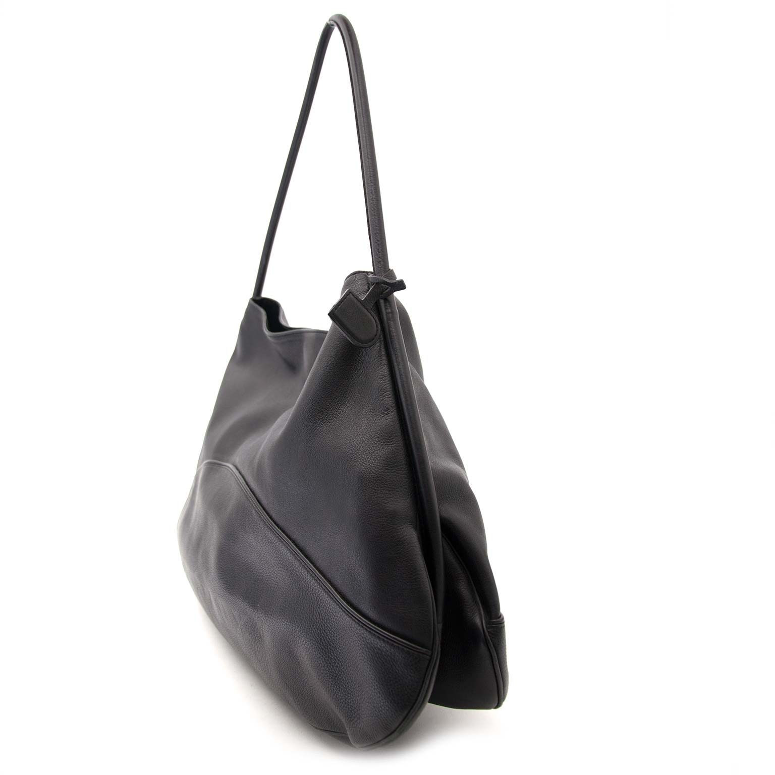 Delvaux Black Leather Large Shopper Tote Buy authentic designer Delvaux secondhand bags at Labellov at the best price. Safe and secure shopping. Koop tweedehands authentieke Delvaux tassen bij designer webwinkel labellov.