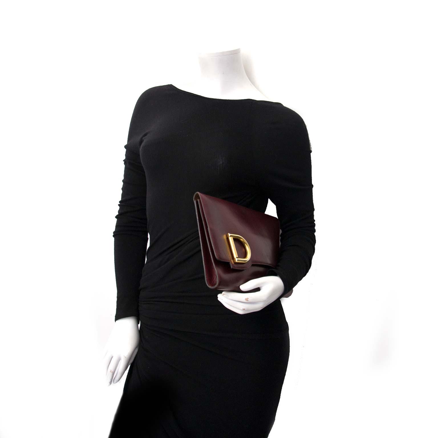 Buy your designer bags for less at Labellov, vintage webshop.