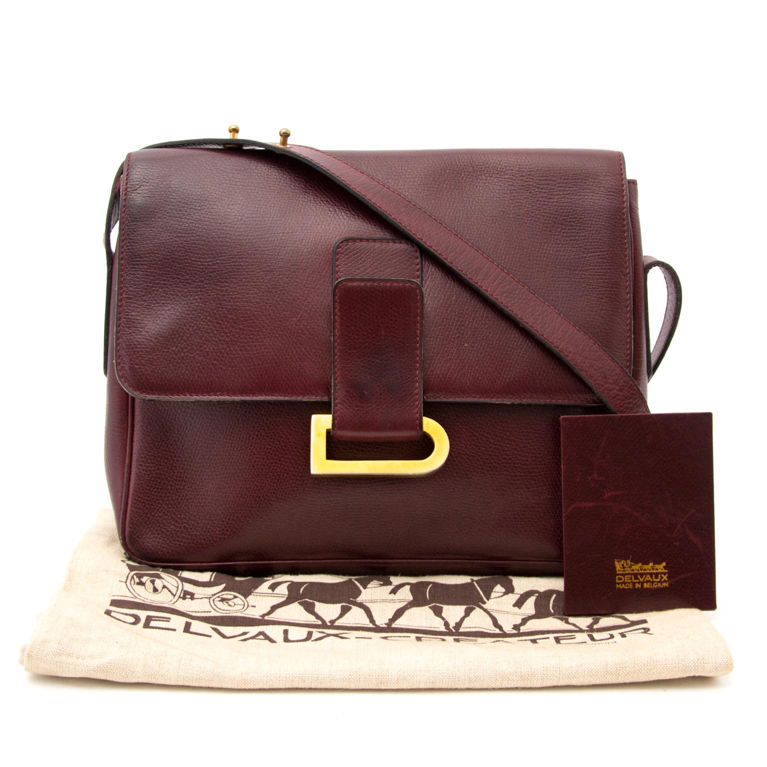 Achetez Delvaux Dark Red Shoulder Bag Poirier en ligne chez Labellov.com