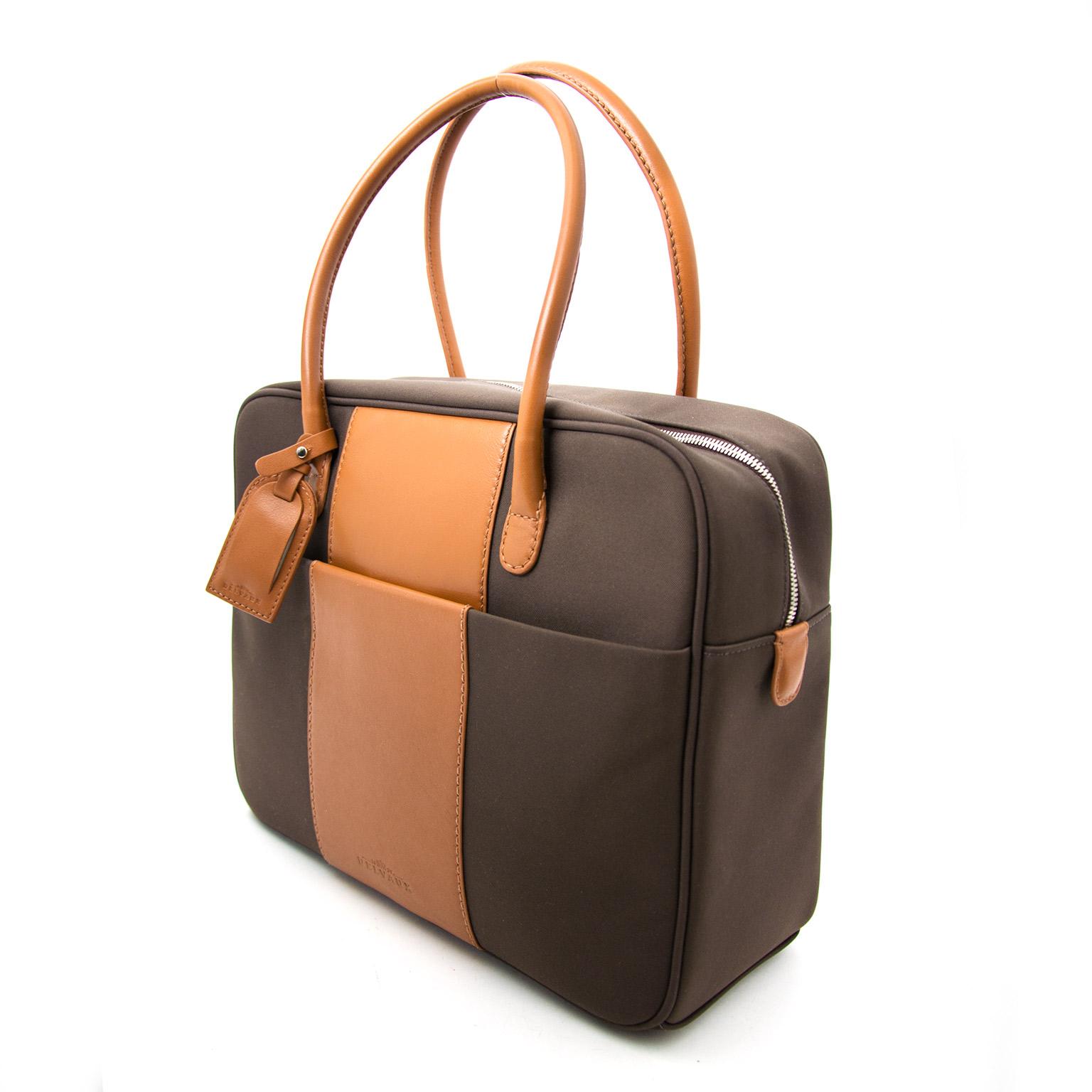 koop veilig onlina aan de beste prijs Delvaux Brown Airess Shoulder Bag Canvas + Toiletry case