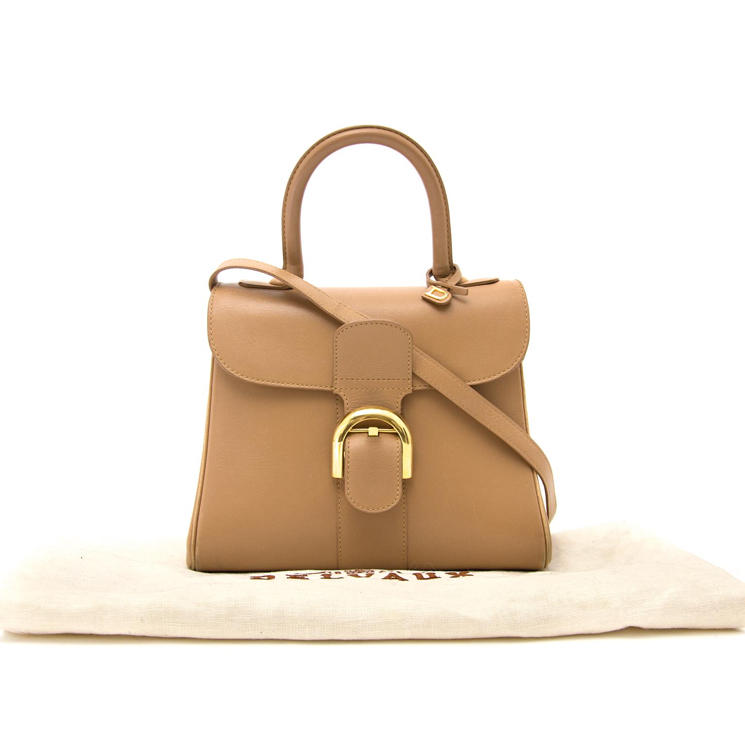 koop veilig online teedehands aan de beste prijs jou tweedehands  Delvaux Sand Brillant PM + strap