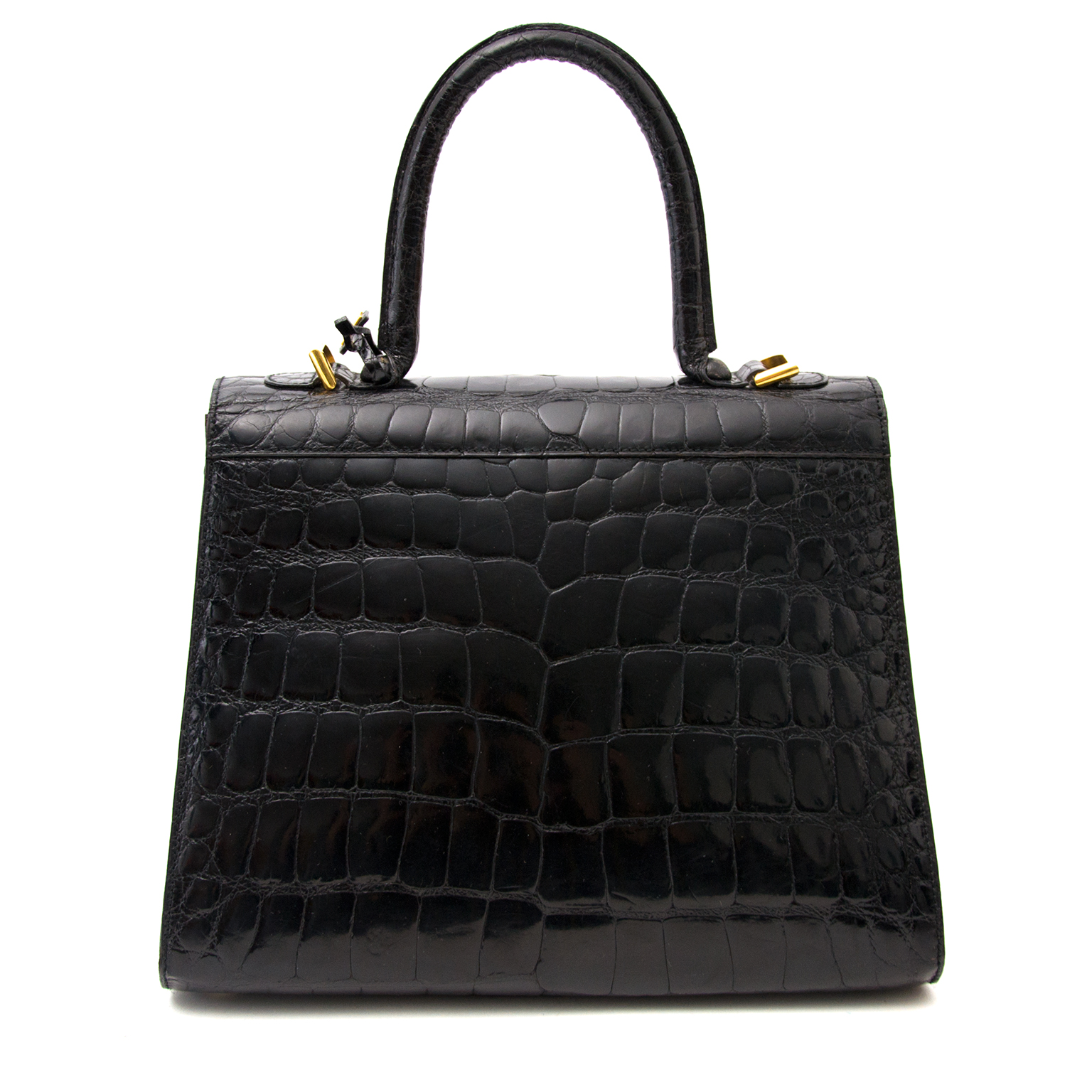 Buy and sell your preloved designer bags for the best rates online at Labellov luxury
