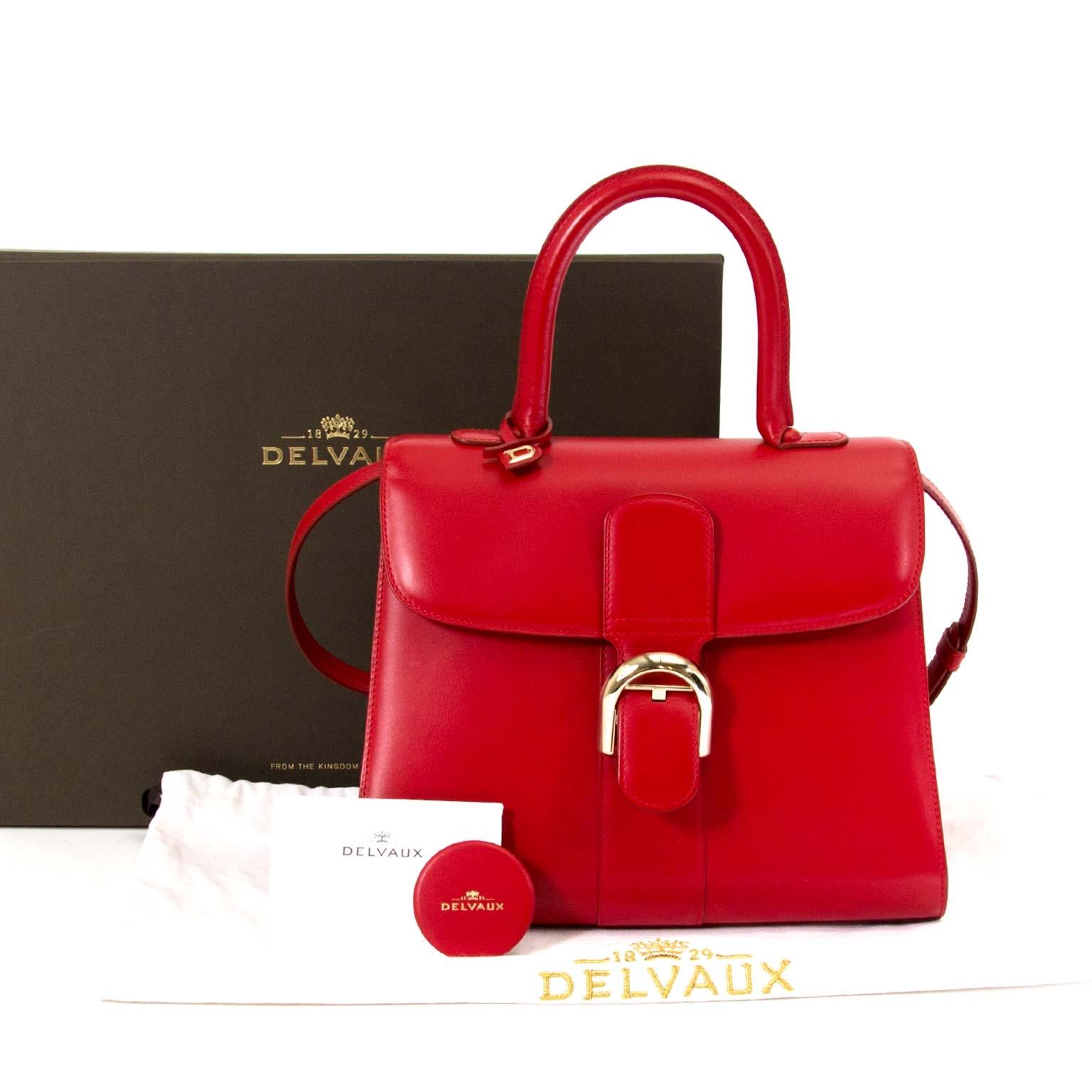 7da4d45ddb ... Labellov Koop en verkoop uw authentieke Delvaux Brillant MM Boxcalf  Rouge Lipstick aan de beste prijs bij