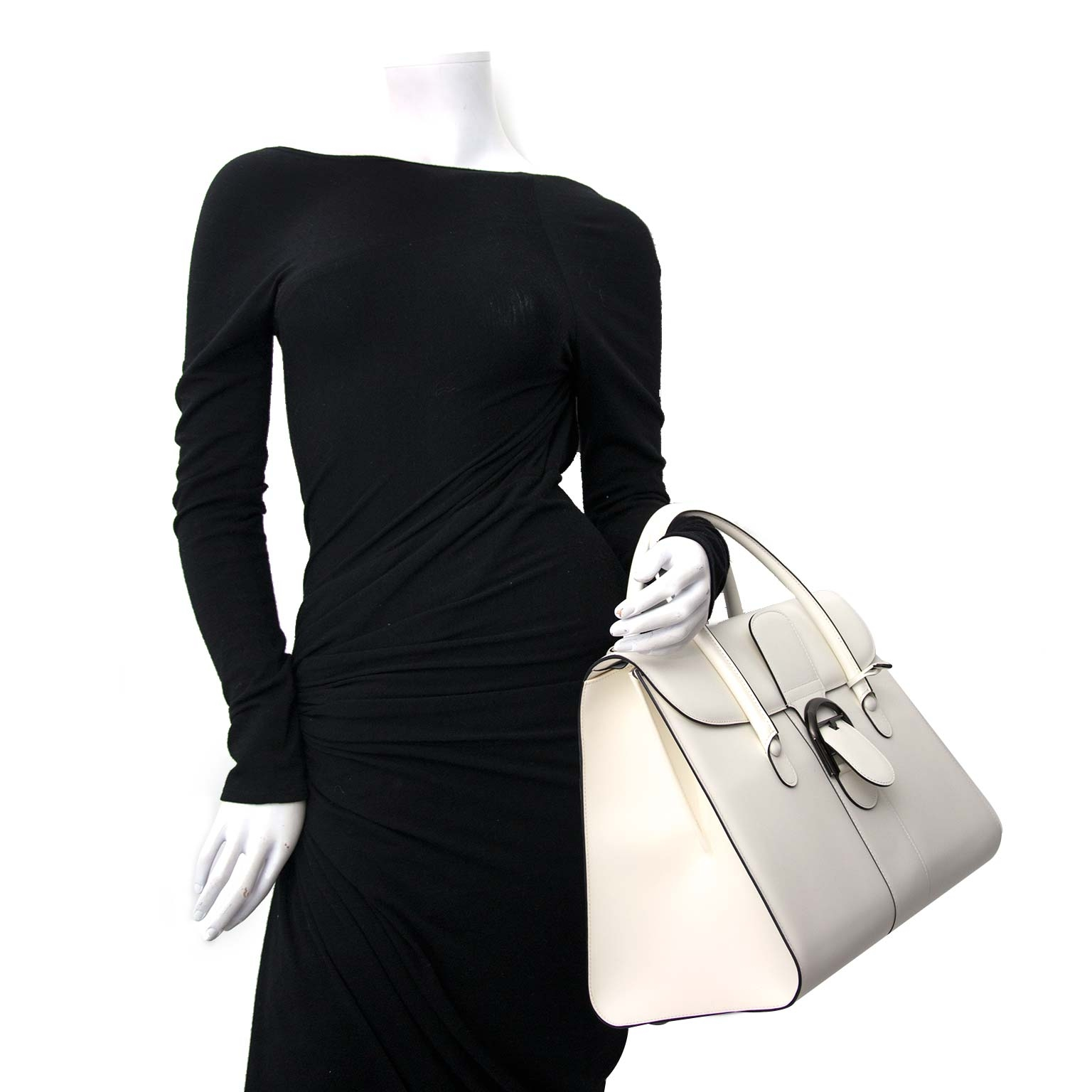 Delvaux White Brillant Double Poignée Bag Buy authentic designer Delvaux secondhand bags at Labellov at the best price. Safe and secure shopping. Koop tweedehands authentieke Delvaux tassen bij designer webwinkel labellov.