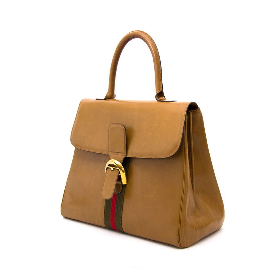 Vintage Delvaux Brillant GM for the best price at Labellov webshop. Safe and secure online shopping with 100% authenticity. Vintage Delvaux Brillant GM pour le meilleur prix.