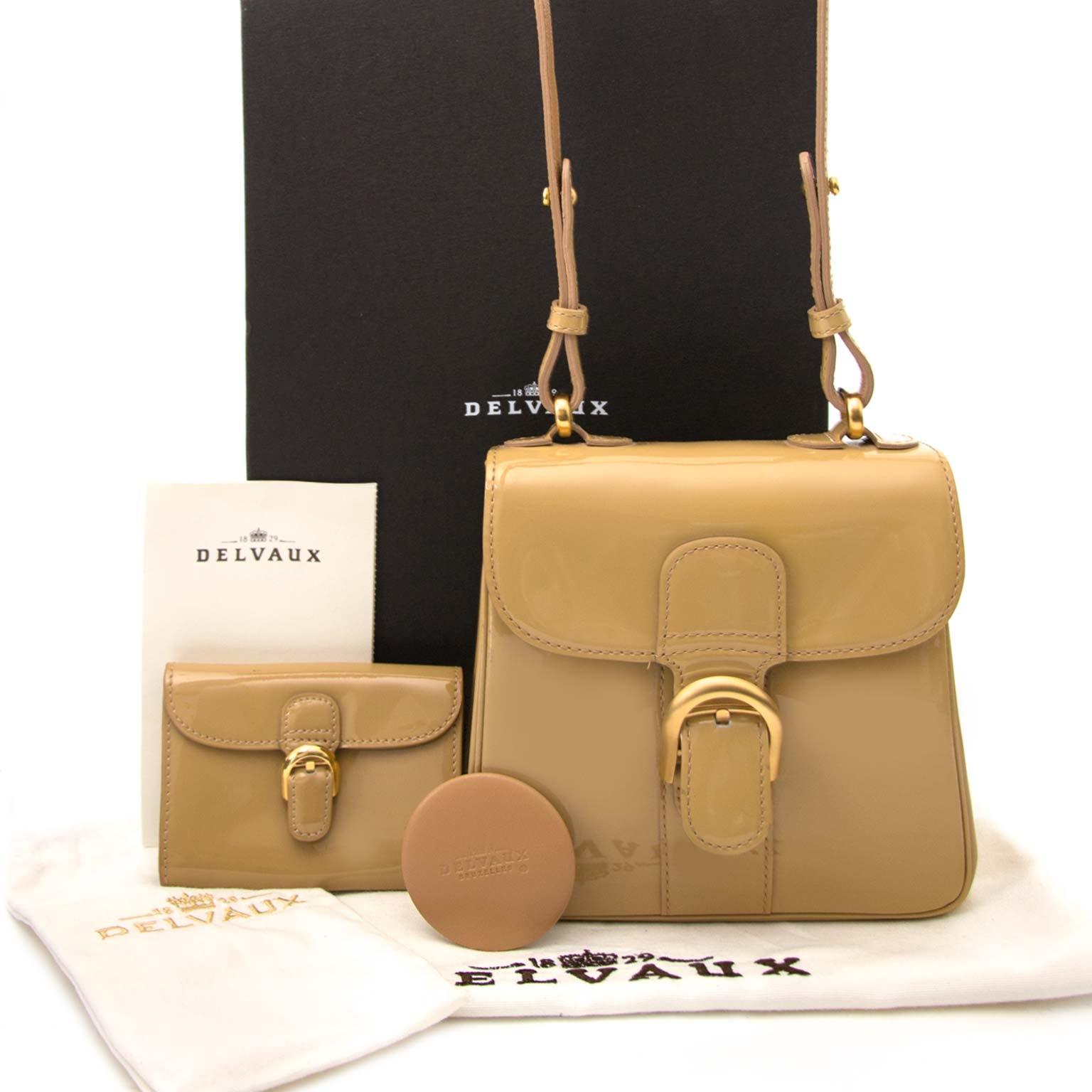 Koop en verkoop uw authentieke designer handtas bij Labellov.