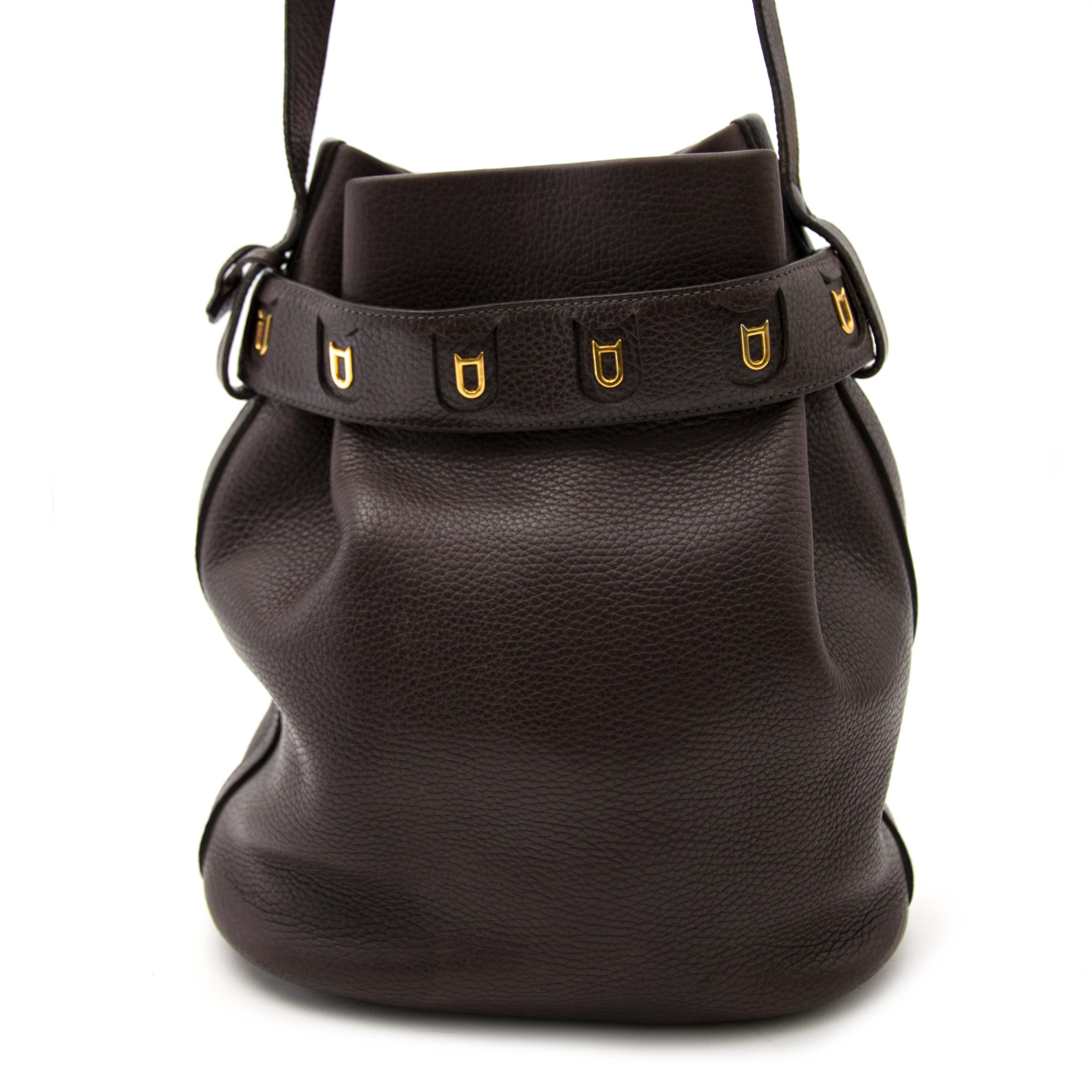 koop online aan de beste prijs jou tweedehands Delvaux Dark Brown Bucket Bag