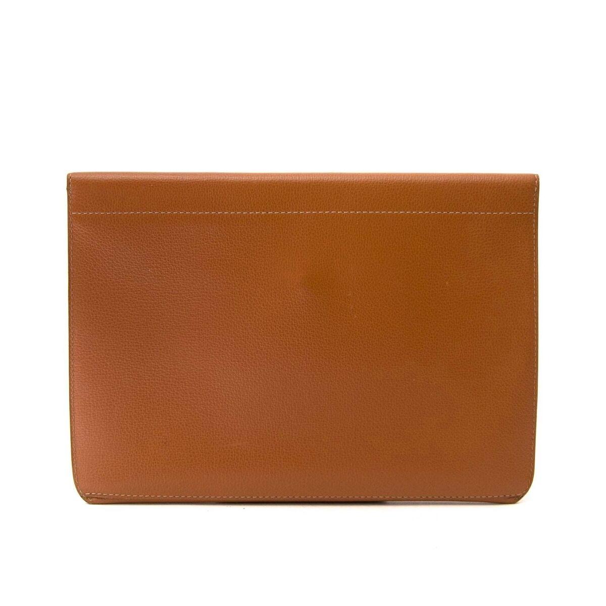 Koop authentieke tweedehands Delvaux bags aan een eerlijke prijs bij LabelLOV. Veilig online shoppen.