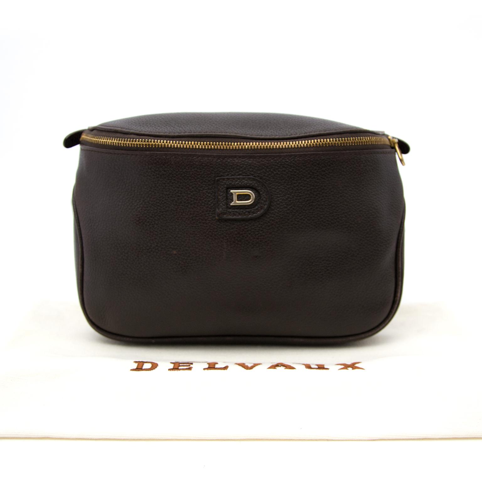 Koop en verkoop uw authentieke Delvaux buideltas online bij Labellov