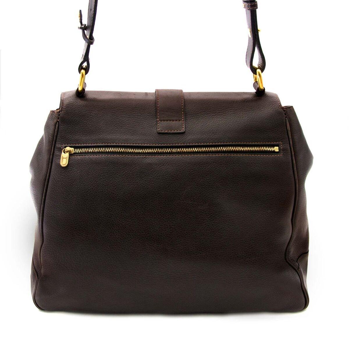 Koop authentieke tweedehands Delvaux tassen aan een eerlijke prijs bij LabelLOV. Veilig online shoppen.