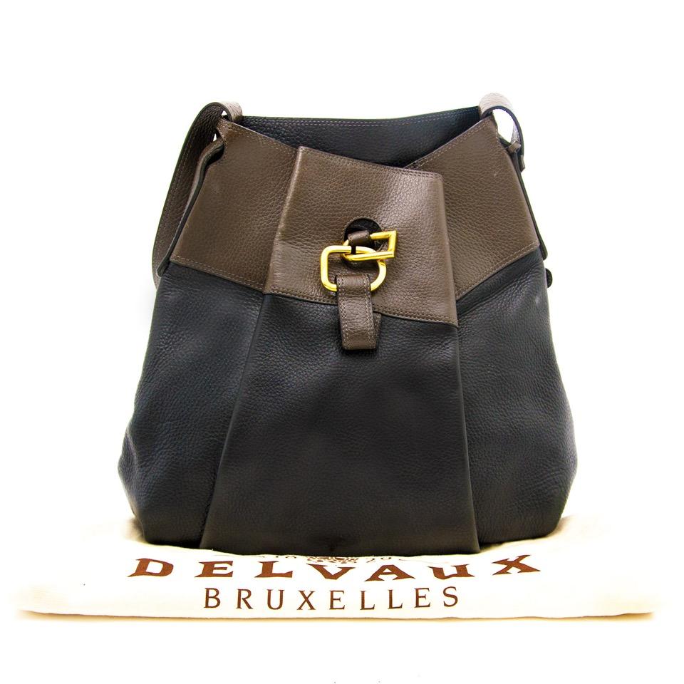 online aan de beste prijs jou tweedehands Delvaux Two Tone Shoulderbag aan de beste prijs