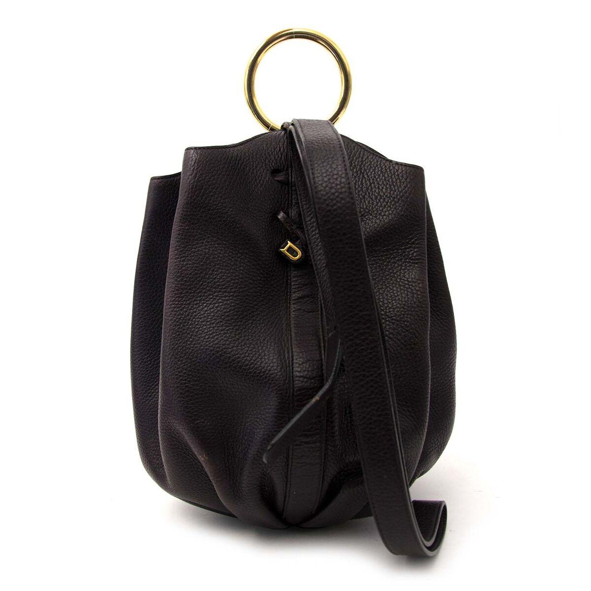 Koop authentieke tweedehands Delvaux handtassen aan een eerlijke prijs bij LabelLOV. Veilig online shoppen.