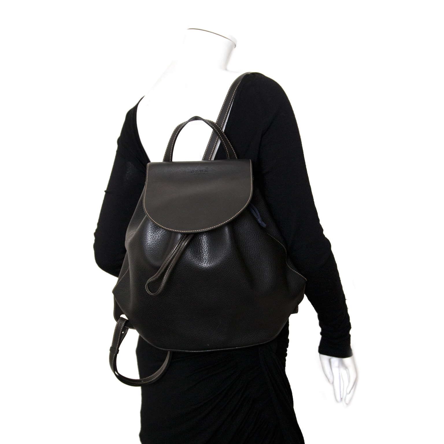 koop deux de delvaux rugzakken bij labellov vintage mode webshop