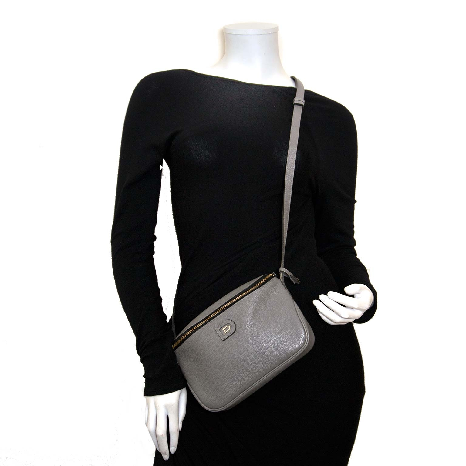457c3b0910a6 ... Koop authentieke tweedehands Delvaux tassen online bij Labellov vintage  mode webshop
