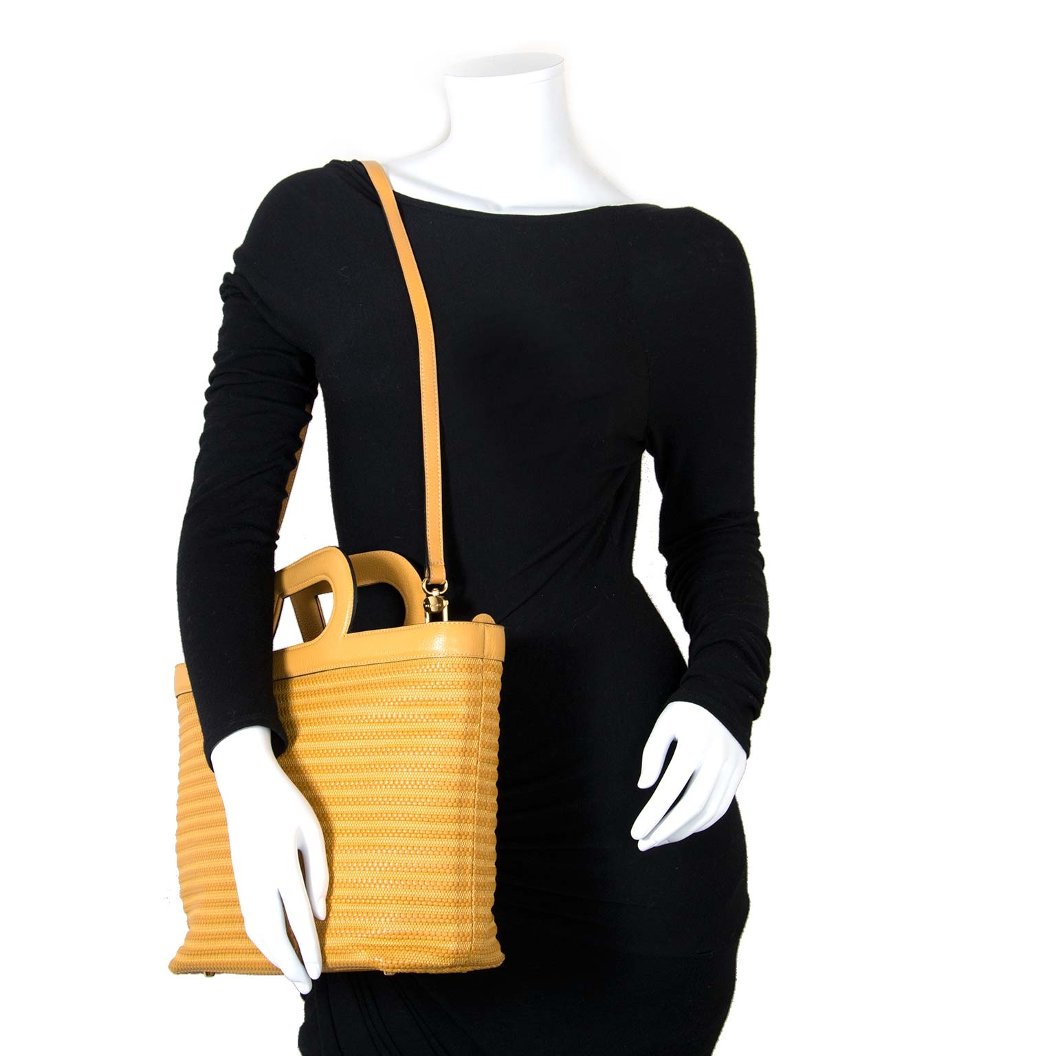 Delvaux Yellow Marmara Tissage Côtelé Cabas Bag for the best price at Labellov