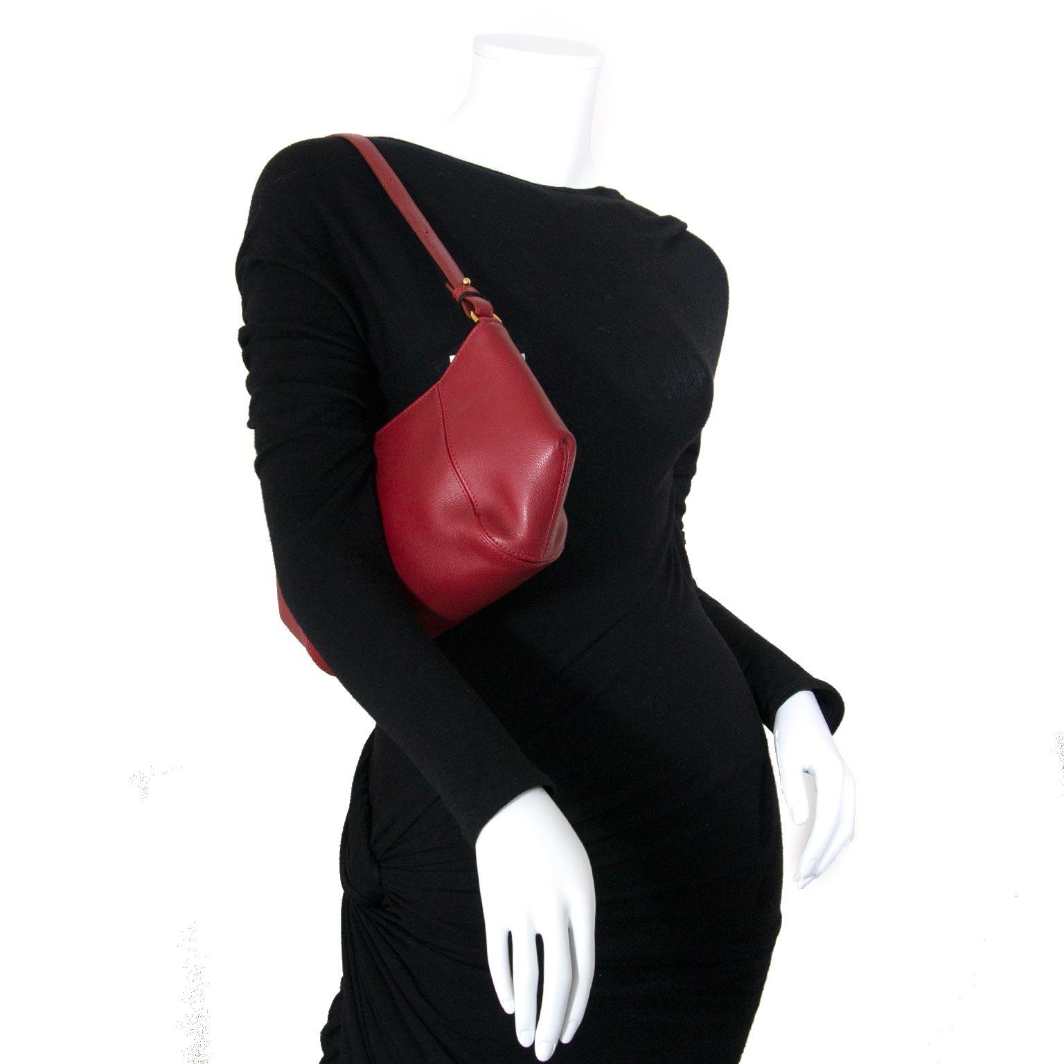 delvaux red shoulder bag now for sale at labellov vintage fashion webshop belgium