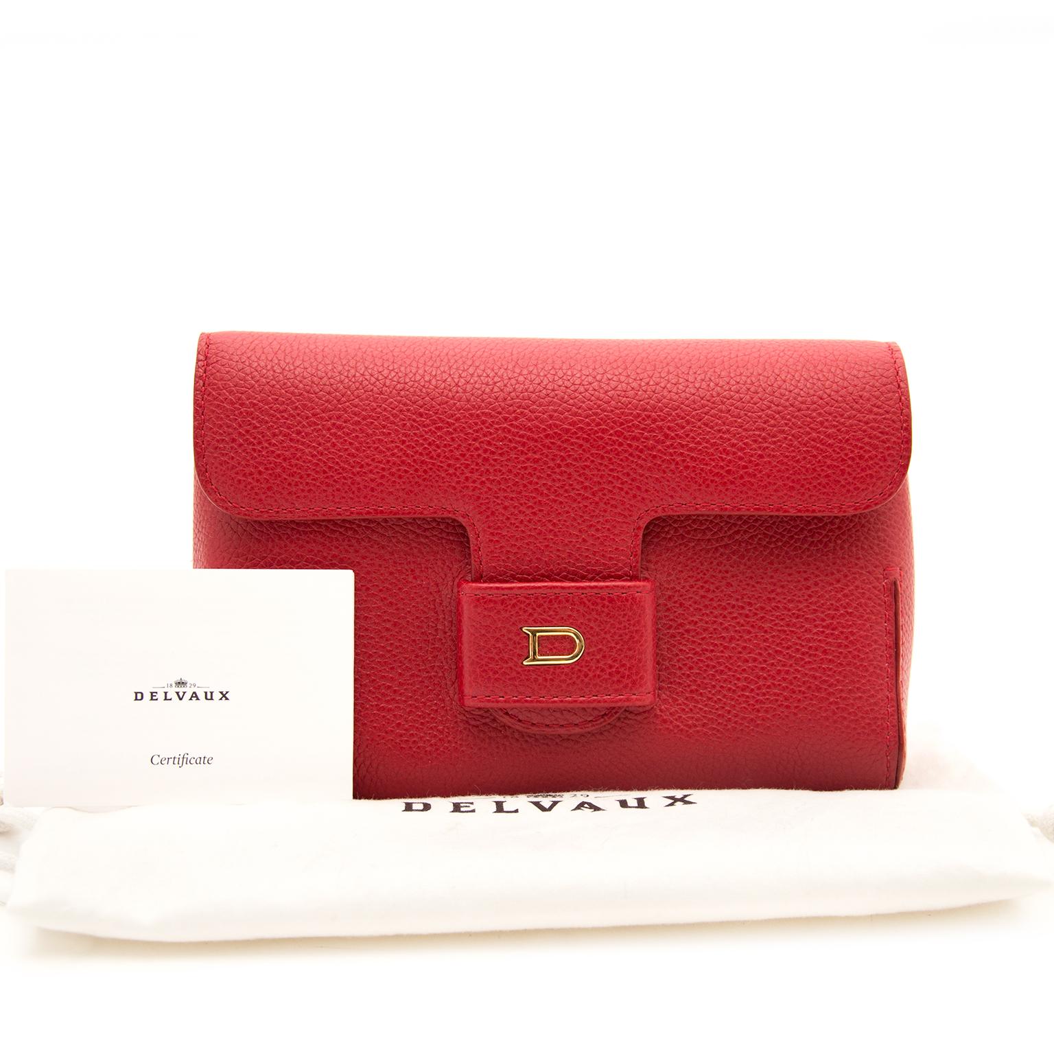 ... Labellov Acheter secur en ligne votre Delvaux sac en cuir rouge pour le  meilleur prix 487ec7041bdef