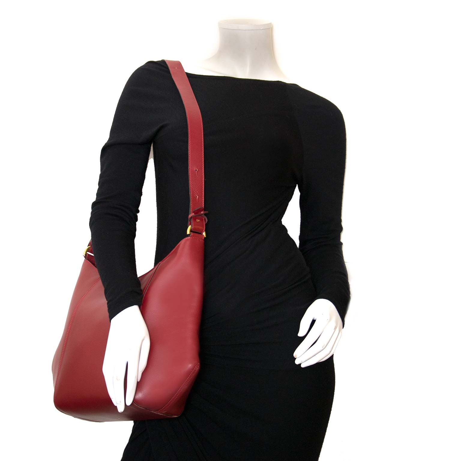 delvaux souhait jumping rosso shoulder bag now for sale at labellov vintage fashion webshop belgium